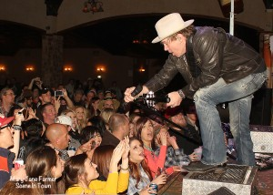 Jack Ingram capped the event off with moxie and pizzazz — what? Not music words? Oh well!