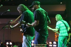 Lottsa pix: Buffalo Ruckus, Chase Sanford Band